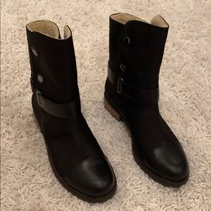 Matt Bernson NEVER WORN black boots with shearling